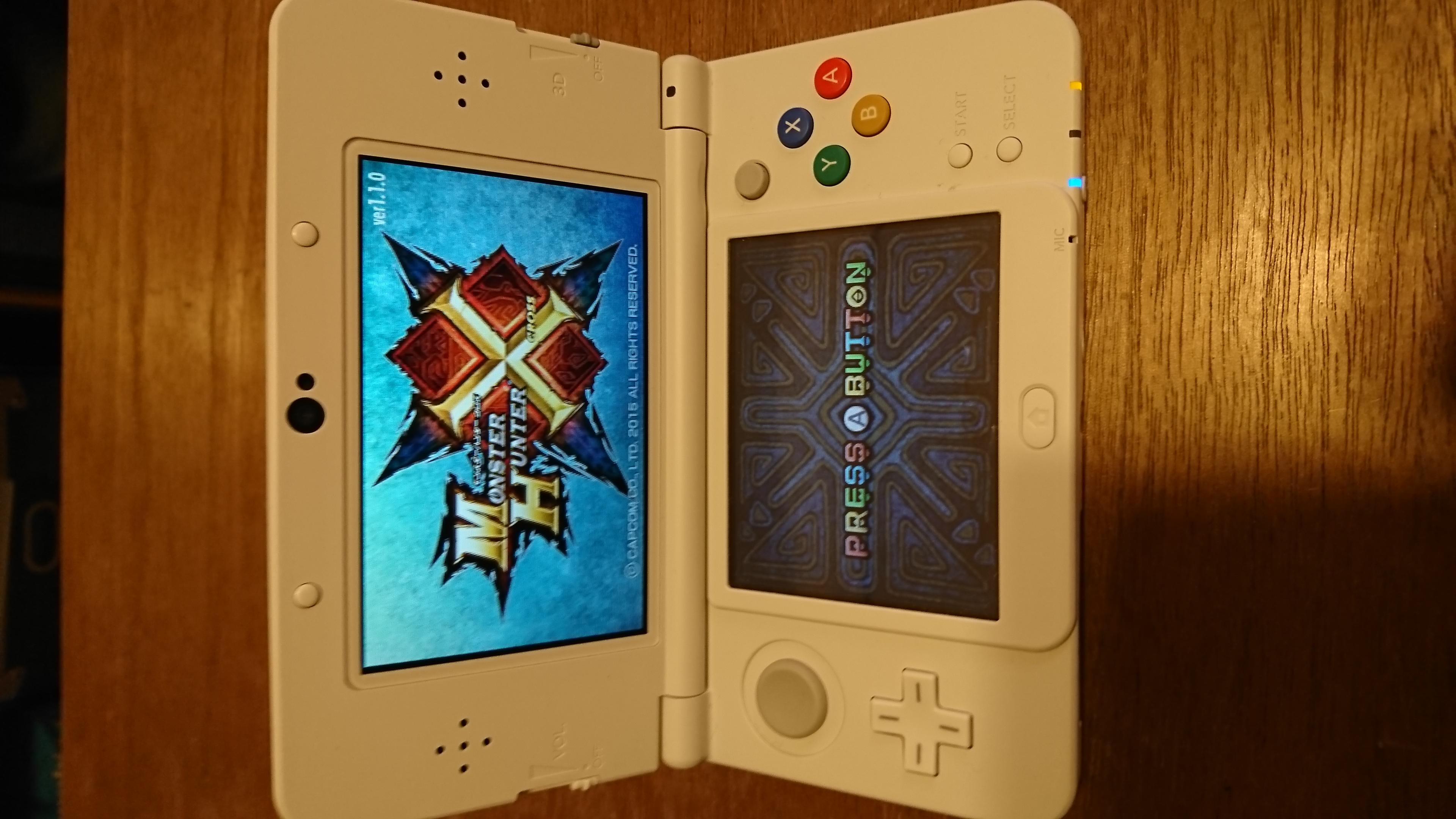 New ニンテンドー 3DS 本体白 モンハンクロス モンスト 充電アダプタ