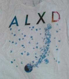 [Alexandros] ALXD Tシャツ