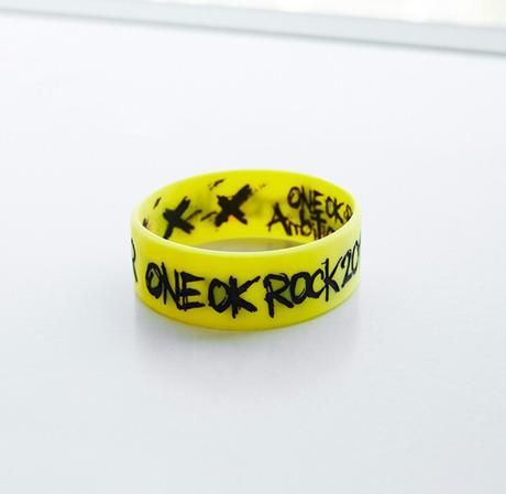 ONEOKROCK Ambitions ラババン yellow ライブグッズの画像