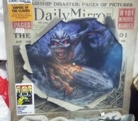 限定版 Iron Maiden Empire of the Clouds グッズの画像