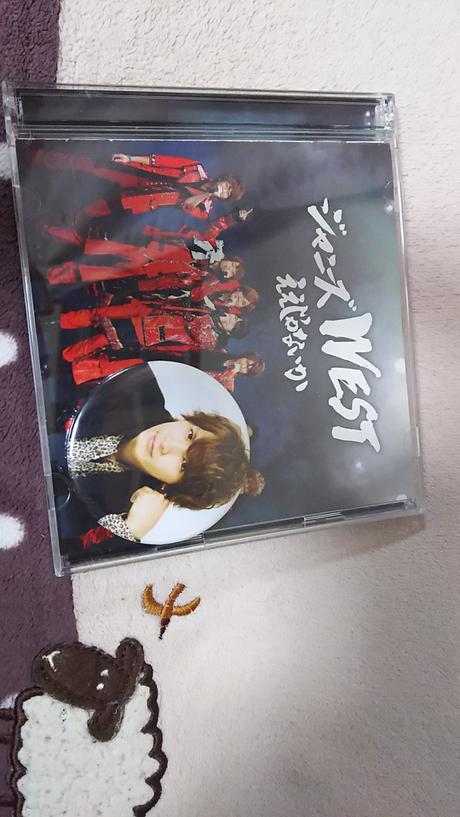 CDとバッチ コンサートグッズの画像