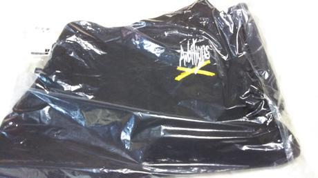 ONE OK ROCKパーカーサイズL ライブグッズの画像