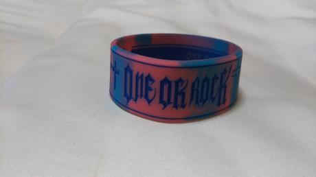 ONE OK ROCKラバーバンドPINK ライブグッズの画像