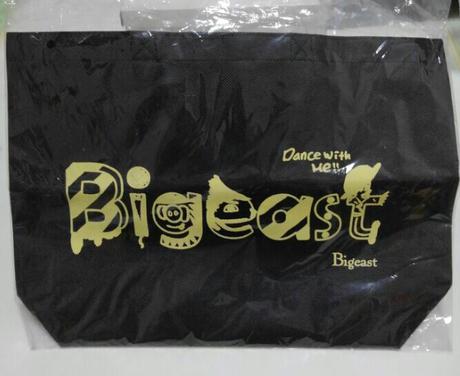 東方神起 Bigeast 3rd FANCLUB EVENT バッグ、缶セット ライブグッズの画像