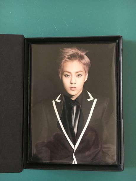 EXO公式 韓国コンサートグッズ ポストカード+キーホルダーセット ライブグッズの画像