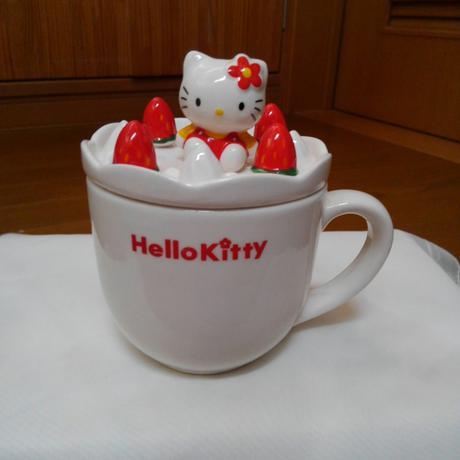 ハローキティー蓋付きマグカップ グッズの画像