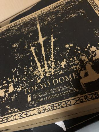 LIVE AT TOKYODOME-THEONE LIMITED EDITION ライブグッズの画像