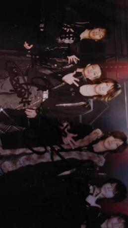 KAT- tun 6人直筆サイン写真 コンサートグッズの画像