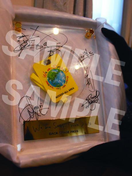 【11/24 まで】SMAP 2010コンサート 直筆サイン・バックステージパス コンサートグッズの画像