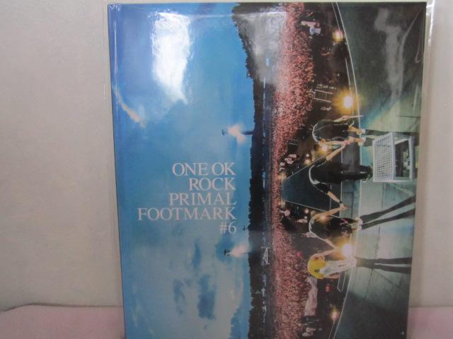 ONE OK ROCK PRIMALFOOTMARAK 2017  カード付 ライブグッズの画像