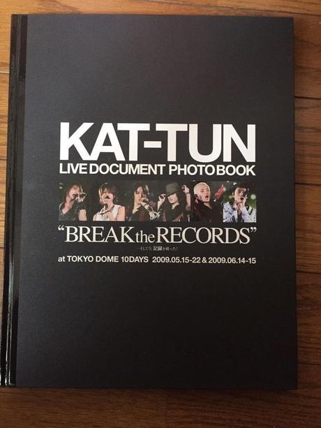 KAT-TUN 写真集 コンサートグッズの画像